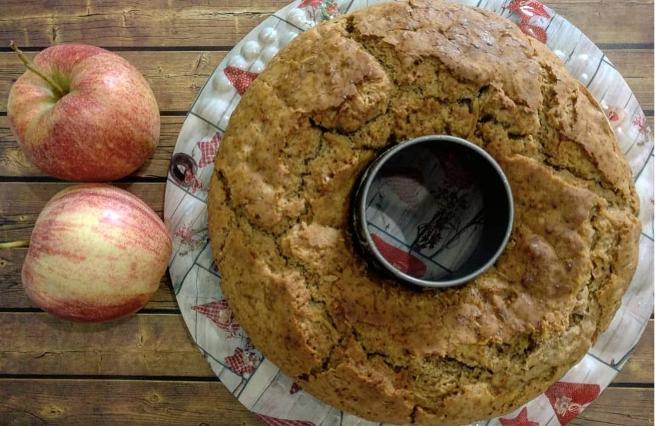 Ciambella glutenfree di mele, cannella e zenzero
