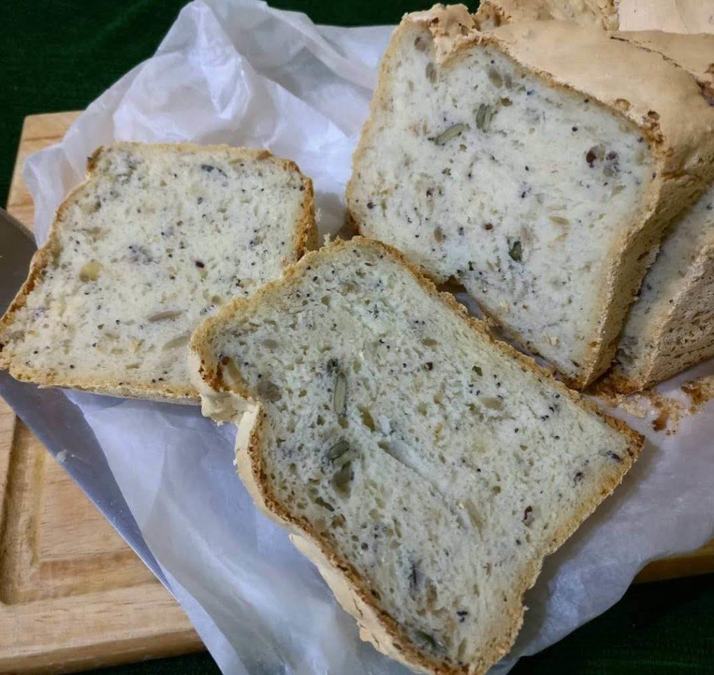 Pane ai semi senza glutine Schar