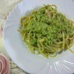 Spaghetti senza glutine con pesto di zucchine e mandorle